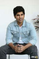 Okka Kshanam Hero Allu Sirish Interview Photos (9)