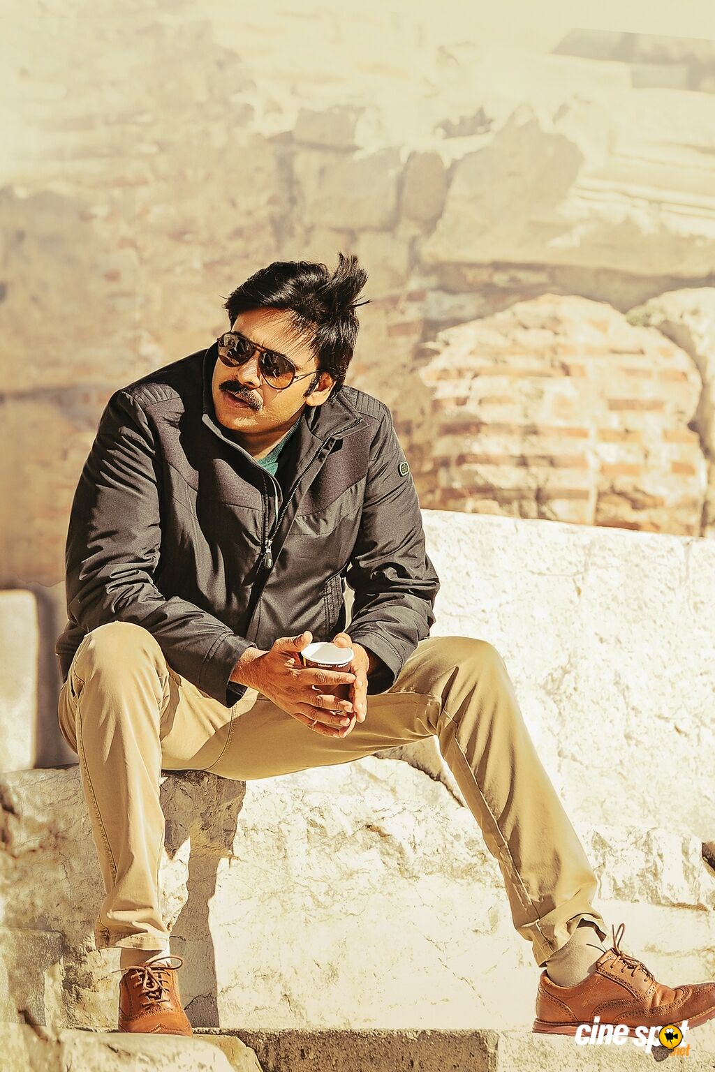 Agnyaathavaasi New Images (4)