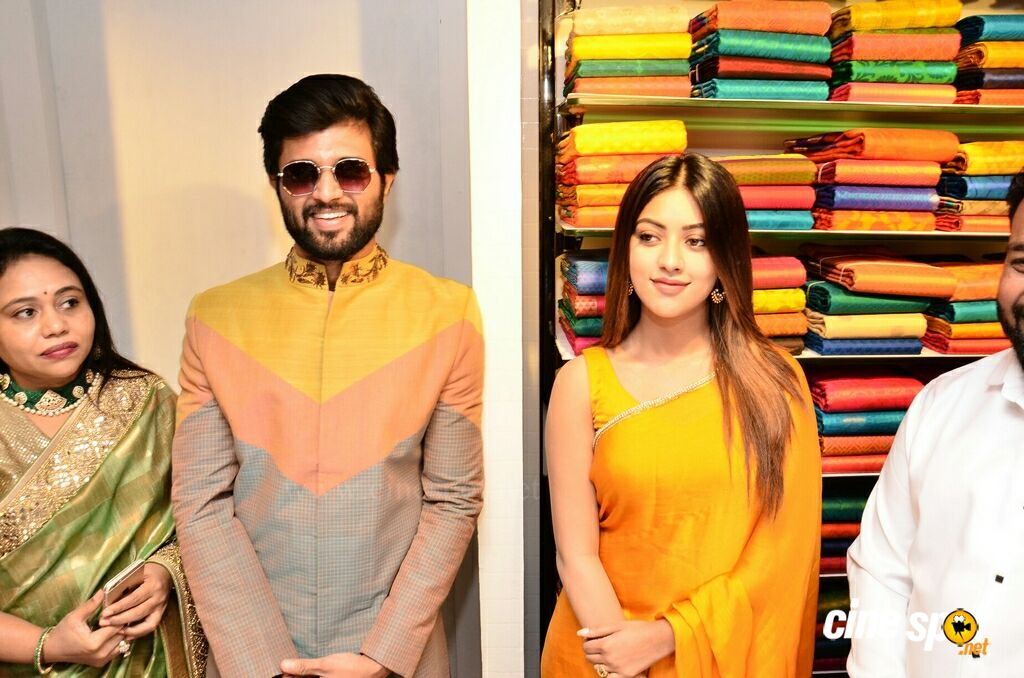 KLM Fashion Mall Launch At Dilsukhnagar (15)