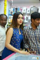 Anu Emmanuel Launches B New Mobile Store At Bapatla (16)