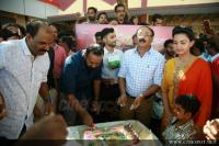Oru Adaar Love Movie Pooja (82)