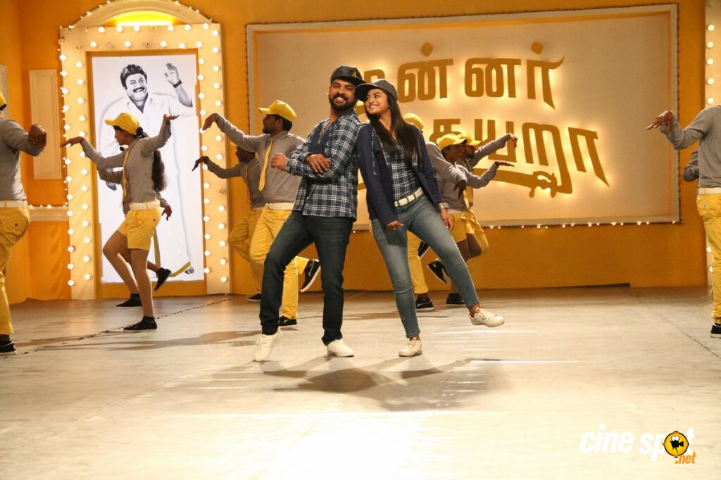 Mannar Vagaiyara Latest Stills (13)