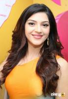 Mehreen Pirzada at Adoni B New Mobile Store Launch (8)