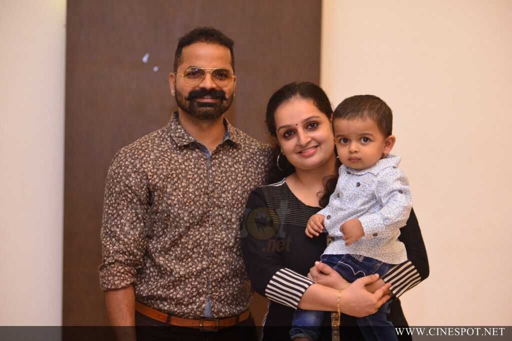 Sibi Malayil Daughter Engagement Pics (80)