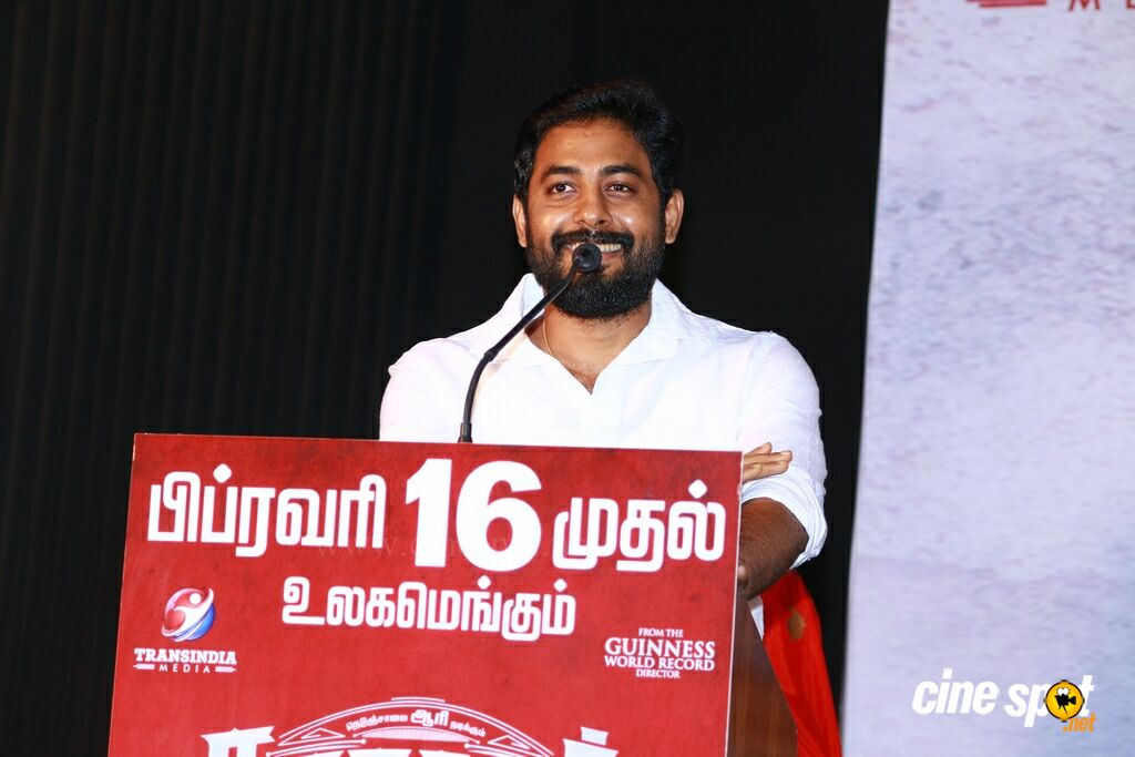 Nagesh Thiraiyarangam Press Meet (26)