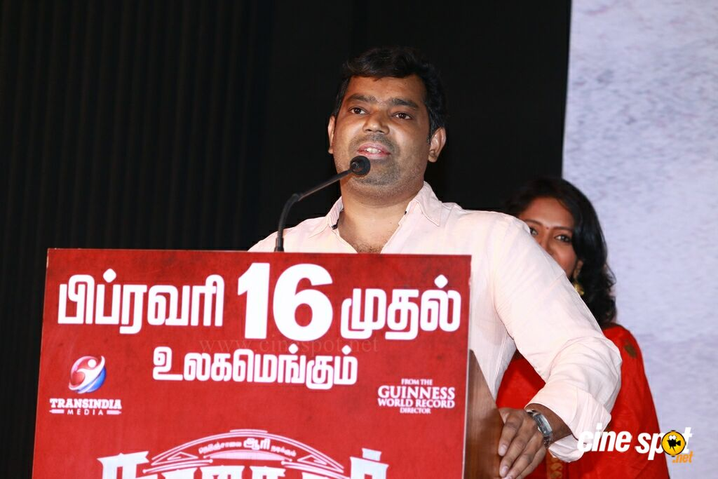 Nagesh Thiraiyarangam Press Meet (27)