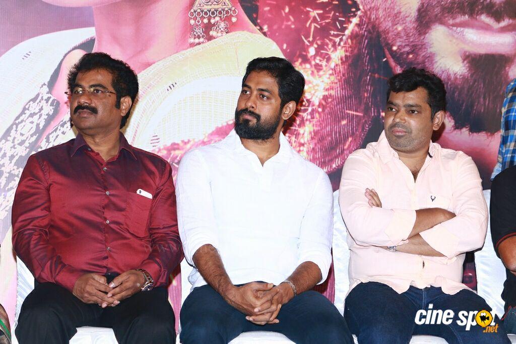 Nagesh Thiraiyarangam Press Meet (29)