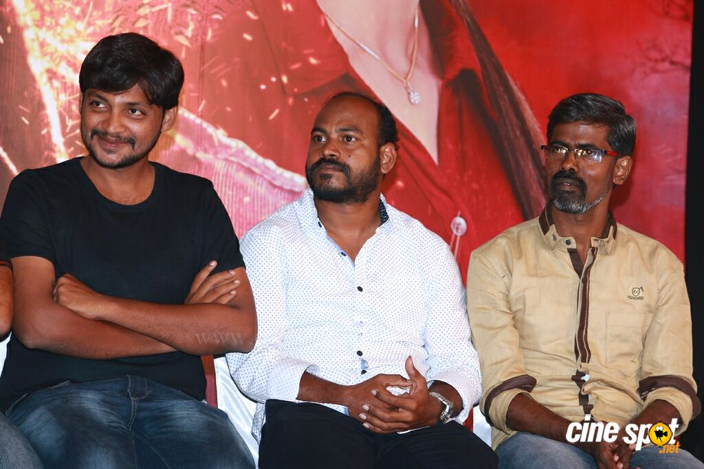 Nagesh Thiraiyarangam Press Meet (30)
