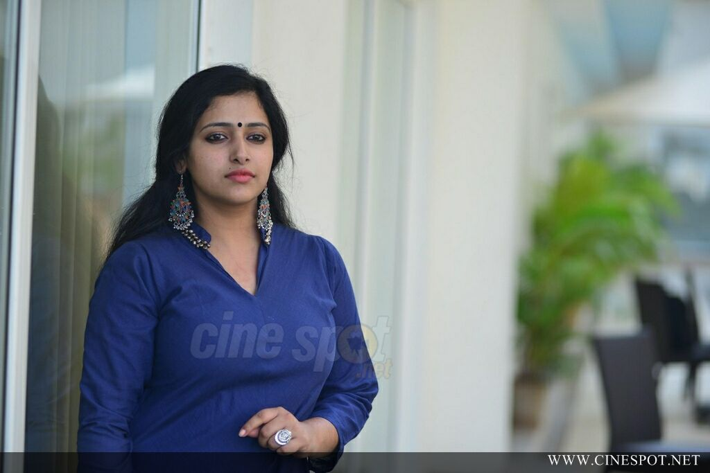 Anu Sithara Latest Photos (16)