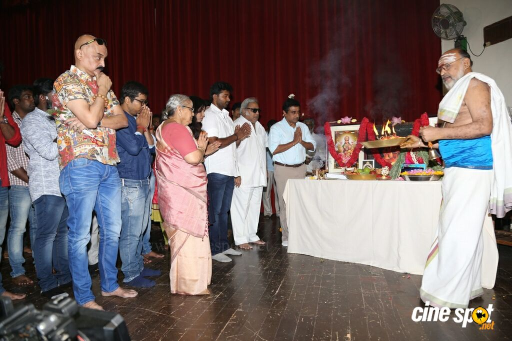 Goko Mako Movie Pooja (30)