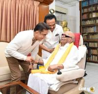 Kamal Haasan's Meeting with M Karunanidhi & MK Stalin (4)