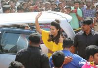 Catherine Tresa Launches B New Mobile Store At Kadapa (1)