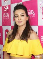 Catherine Tresa Launches B New Mobile Store At Kadapa (12)