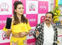 Catherine Tresa Launches B New Mobile Store At Kadapa (28)