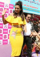 Catherine Tresa Launches B New Mobile Store At Kadapa (3)