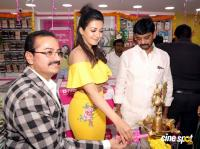 Catherine Tresa Launches B New Mobile Store At Kadapa (31)
