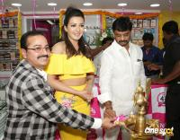 Catherine Tresa Launches B New Mobile Store At Kadapa (6)