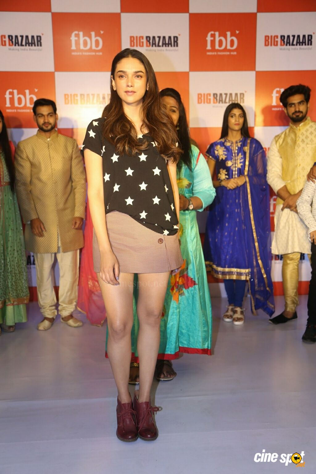 Aditi Rao Hydari Launches FBB Ugadi Festive Collections (5)