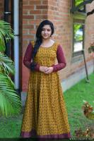 Anu Sithara at Oru Kuttanadan Blog Movie Pooja (1)