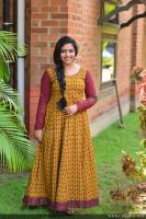Anu Sithara at Oru Kuttanadan Blog Movie Pooja (2)