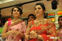 Raashi & Mehrene Launches KLM Fashion Mall (29)