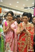 Raashi & Mehrene Launches KLM Fashion Mall (5)