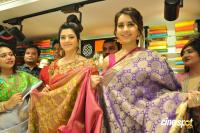 Raashi & Mehrene Launches KLM Fashion Mall (7)