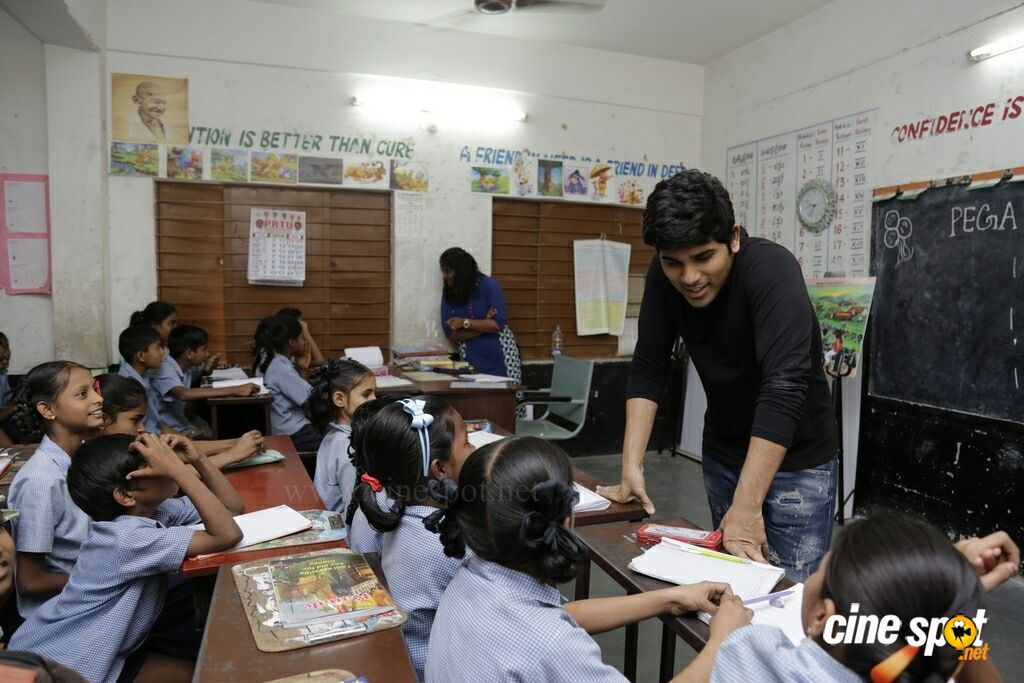 Allu Sirish At Government Primary School (10)