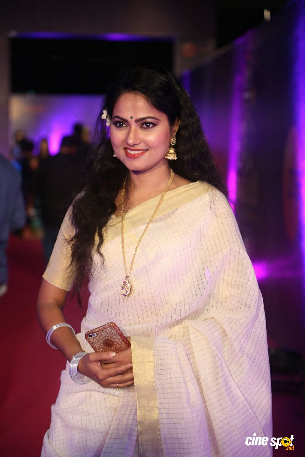 Suhasini at Zee Telugu Apsara Awards 2018 (11)