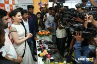 Tamannaah Launches Kurnool Happi Mobiles Stores (12)