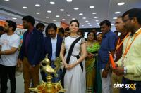 Tamannaah Launches Kurnool Happi Mobiles Stores (21)