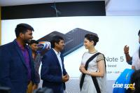 Tamannaah Launches Kurnool Happi Mobiles Stores (25)