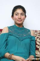 Kanam Heroine Sai Pallavi Interview Photos (4)