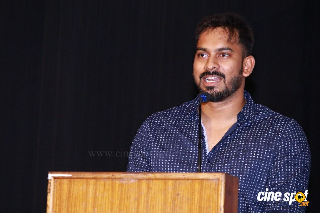 Iruttu Araiyil Murattu Kuththu Press Meet (11)