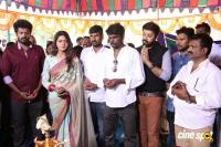 En Kadhali Scene Podra Movie Pooja (11)