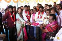 En Kadhali Scene Podra Movie Pooja (12)