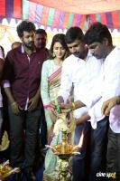 En Kadhali Scene Podra Movie Pooja (3)