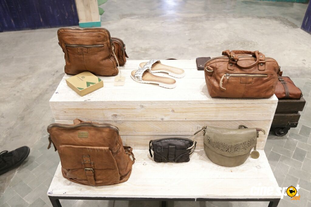 Regina Launches Kompanero 18 Vintage Leather Accessories (2)