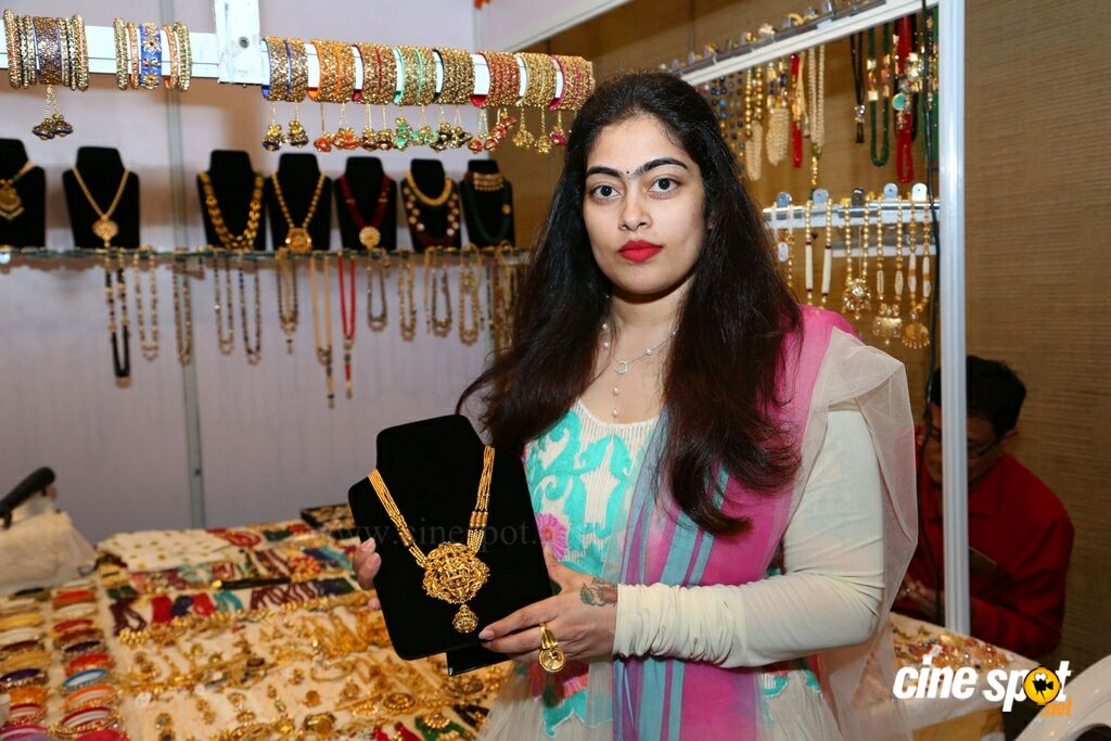 Jhanvi Bajaj Inaugurates Trendz Expo At HICC (19)