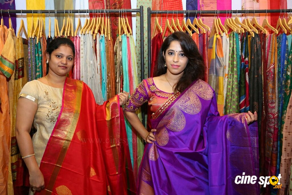 Jhanvi Bajaj Inaugurates Trendz Expo At HICC (26)