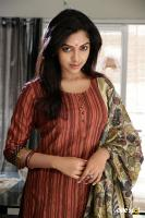 Amala Paul in Velan Ettuthikkum (1)