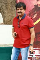 Vivek at Ezhumin Trailer Launch (1)