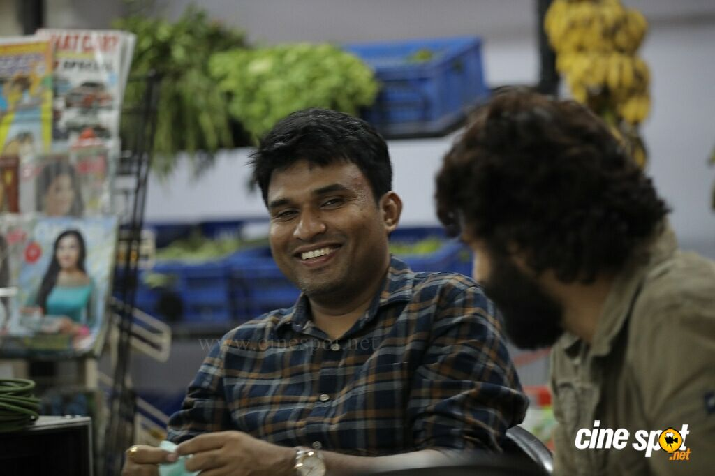 Abrahaminte Santhathikal On Location (14)