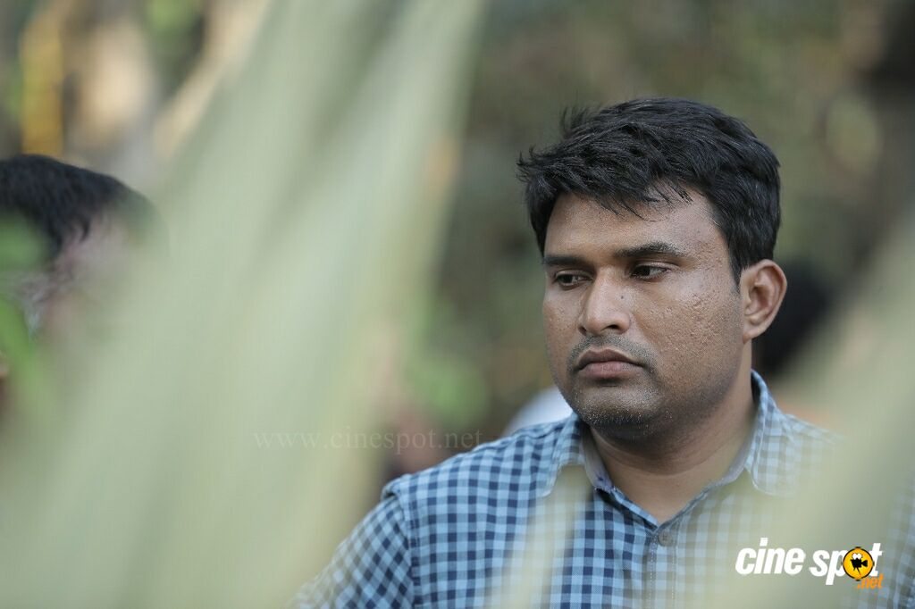 Abrahaminte Santhathikal On Location (7)