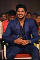 Dulquer Salmaan at Asianet Film Awards 2018 (10)