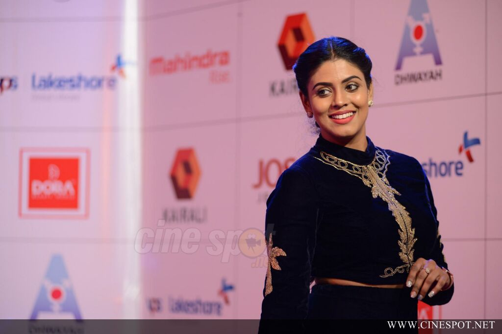 Iniya at Queen of Dhwayah 2018 (11)