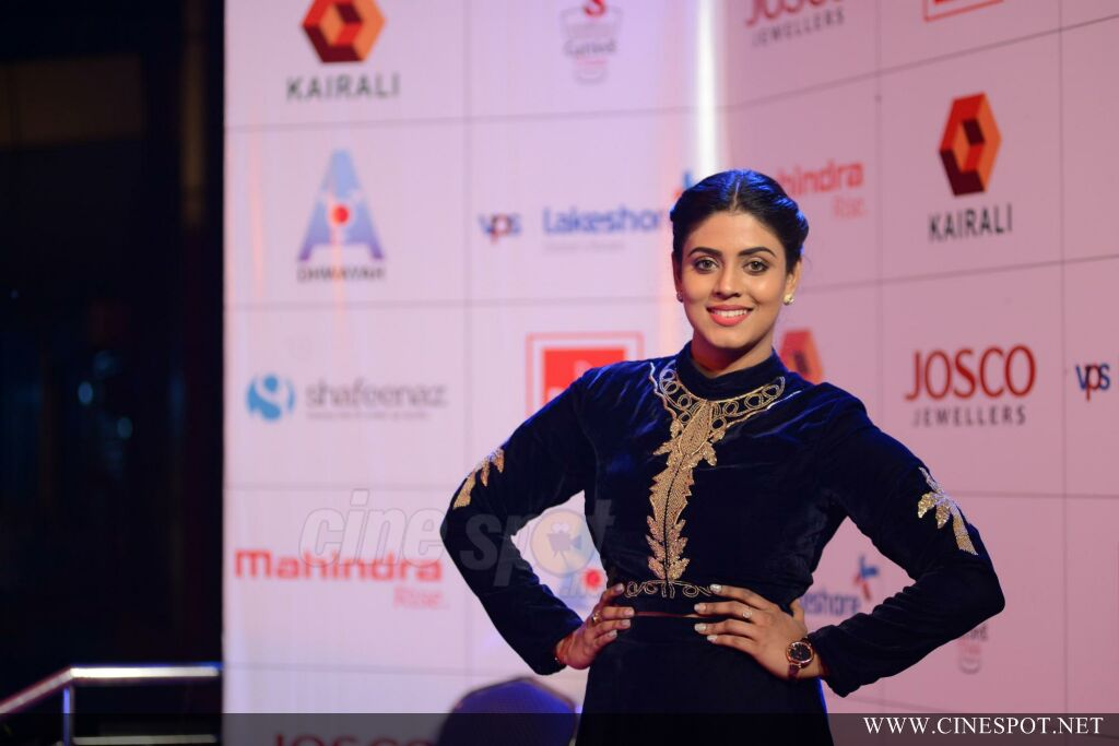 Iniya at Queen of Dhwayah 2018 (2)