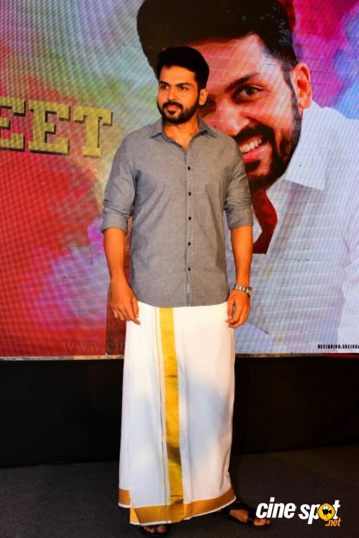 Karthi at Kadaikutty Singam Kerala Promotion (1)