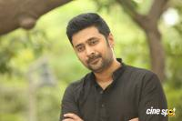 Rahul Ravindran Interview Photos About Chi La Sow (12)