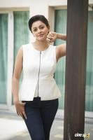 Pooja Kumar New PhotoShoot  (2)